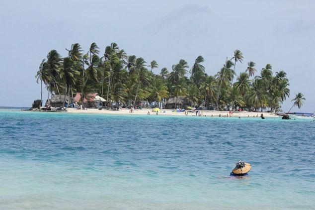 Dog Island of Panama's San Blas Islands