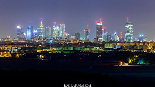 Warsaw_at_night