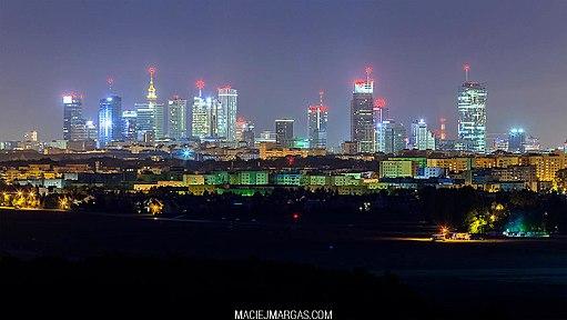 Warsaw_at_night