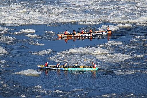 Ice_canoeing_Quebec_2016_2