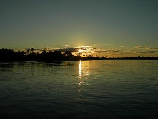 Zambezi_River,_Zambia_(2546105466)