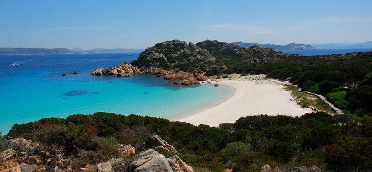 1024px-Spiaggia_rosa,_isola_di_budelli,_sardegna