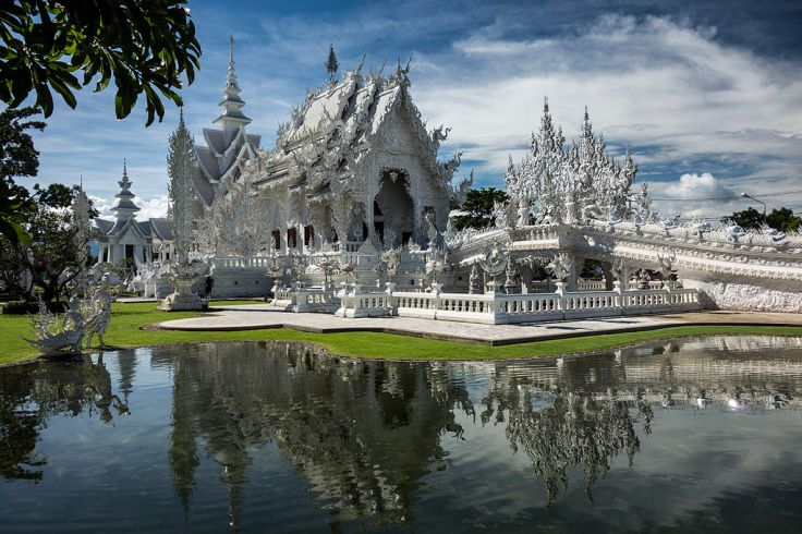 1024px-White_Temple_-_Wat_Rong_Kuhn