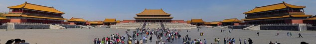1 Forbidden_City_panorama_from_Gate_of_Supreme_Harmony_wikivoyage_banner